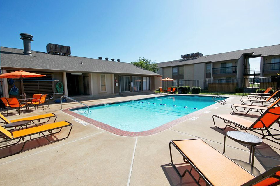 Welcome toThe Loop Apartments