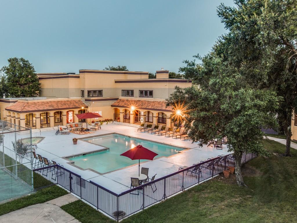 The Vineyard Apartment Homes | South Arlington, Texas | Texas Apartments