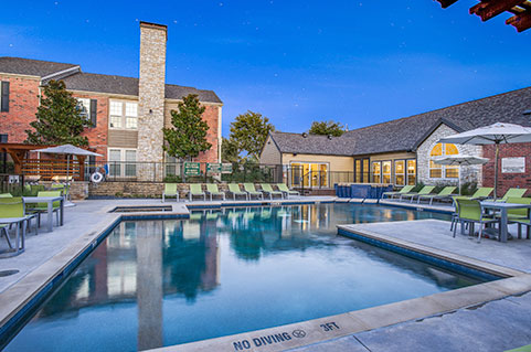 Apartments with amenities in Plano, TX
