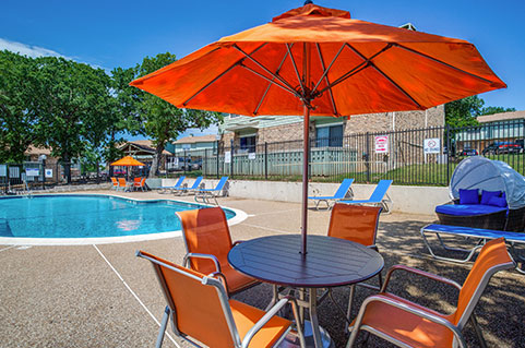 Apartments with Amenities in Bedford, TX