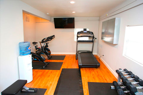 Apartments with amenities in North Austin, TX