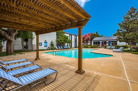 Apartments with Amenities in Richardson, TX