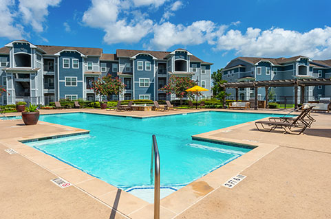 Apartments with amenities in Houston