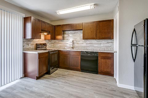 Apartment complex with luxury amenities in Northside Houston