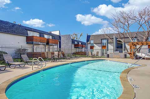 Apartments with amenities in North Richland Hills