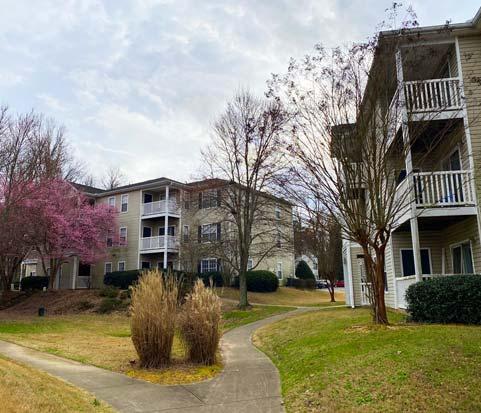 Apartment complex in Oakwood, GA