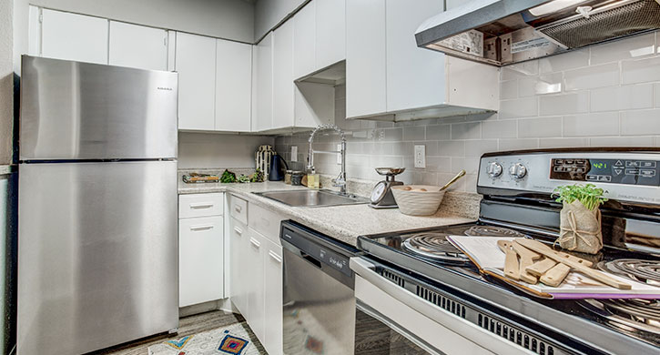 2 bedroom apartments in Irving | MacArthur Place at 183