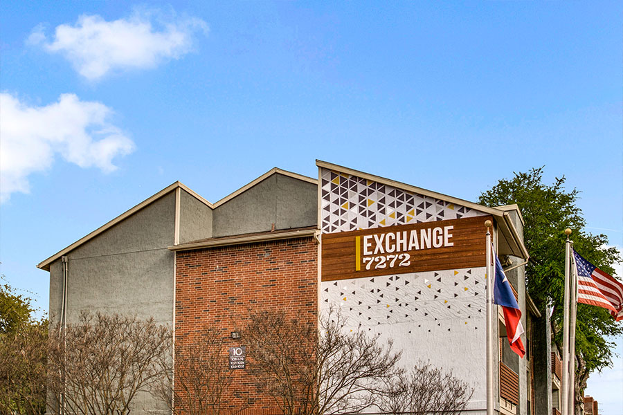 Exchange 7272 is conveniently located, with a short 20-25 minute commute to downtown Dallas.
