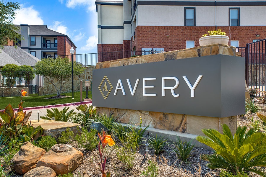 Avery is perfectly located with quick access to I-35E and 121