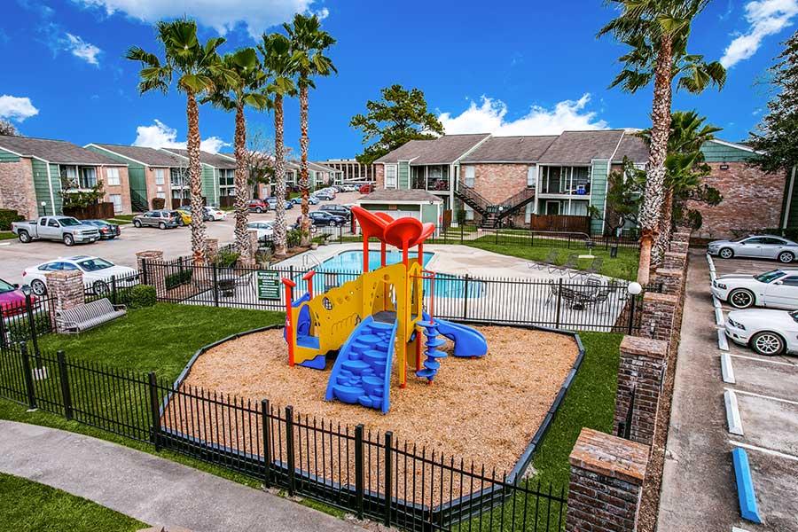 Live Oak Apartments in the Houston Energy Corridor area