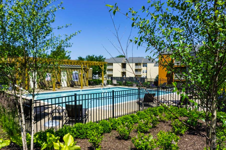 Apartments with swimming pool in Lexington, KY