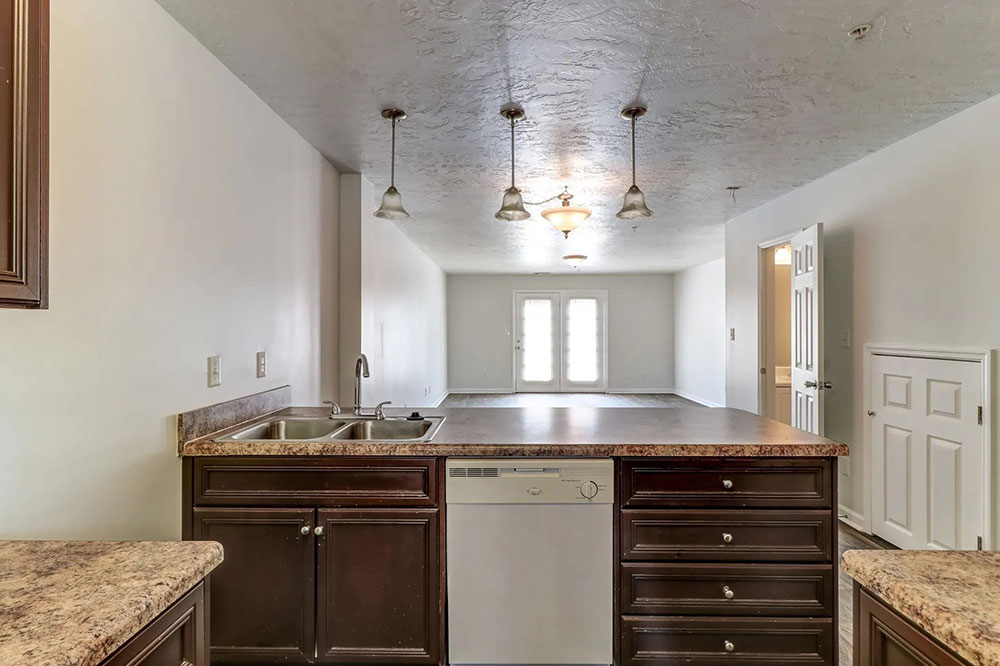 entertaining kitchen fully-equipped
