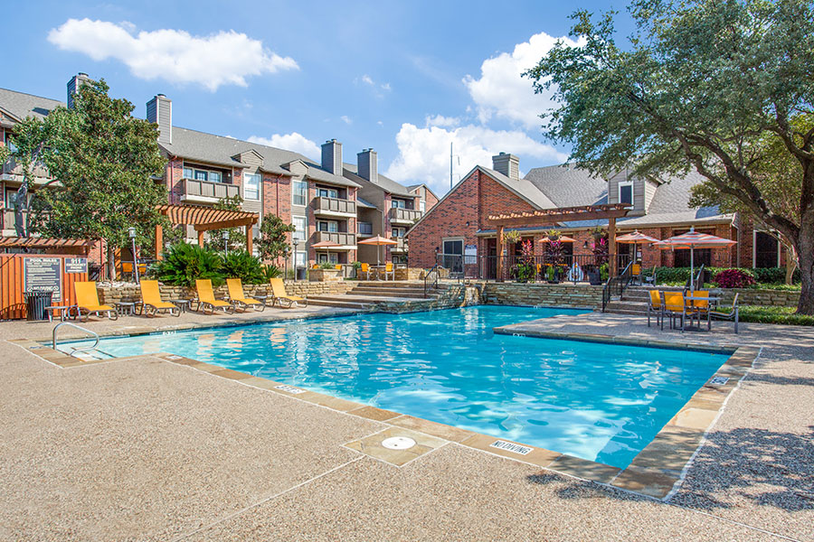 Three pools with sun decks, perfect for relaxing of visiting your neighbor.