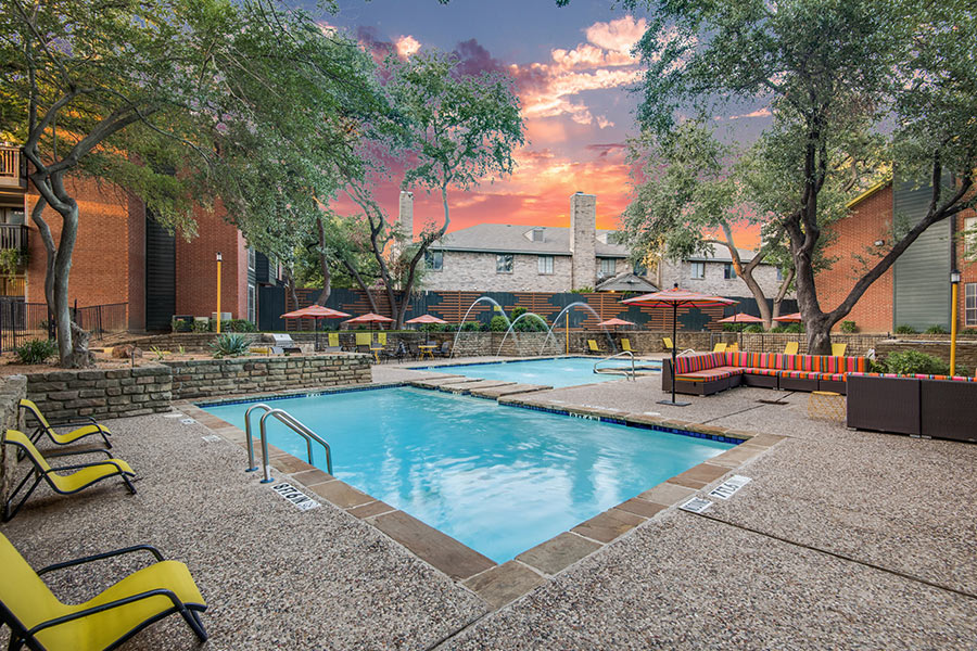 lush community amenities