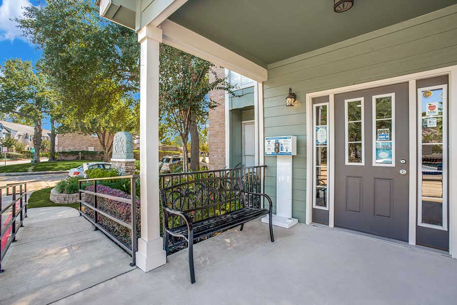 Live Oak apartments leasing office