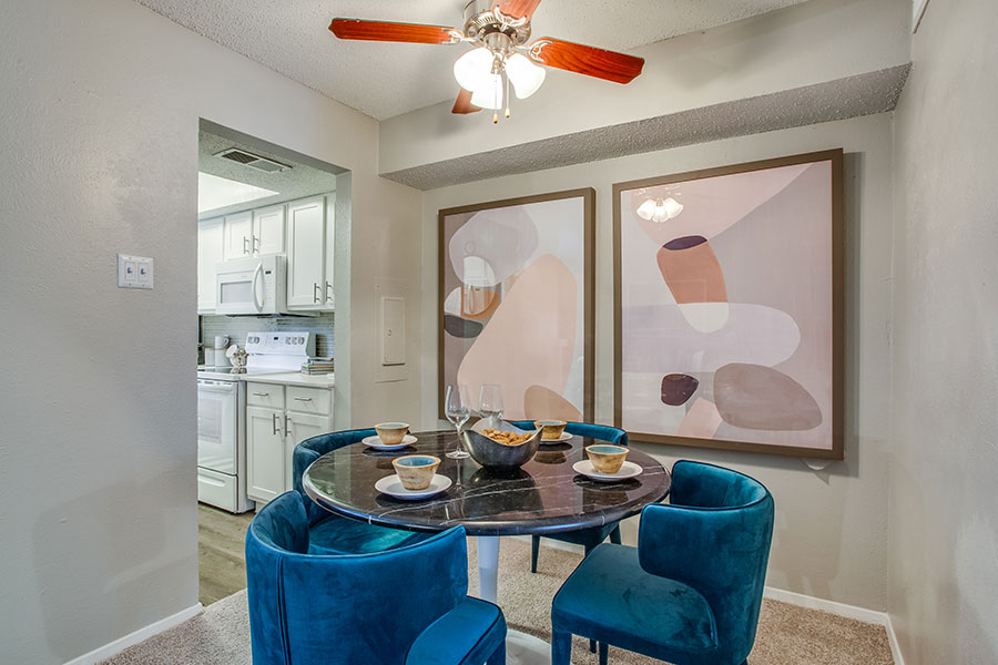 Spacious Dining Room with Ceiling Fan!