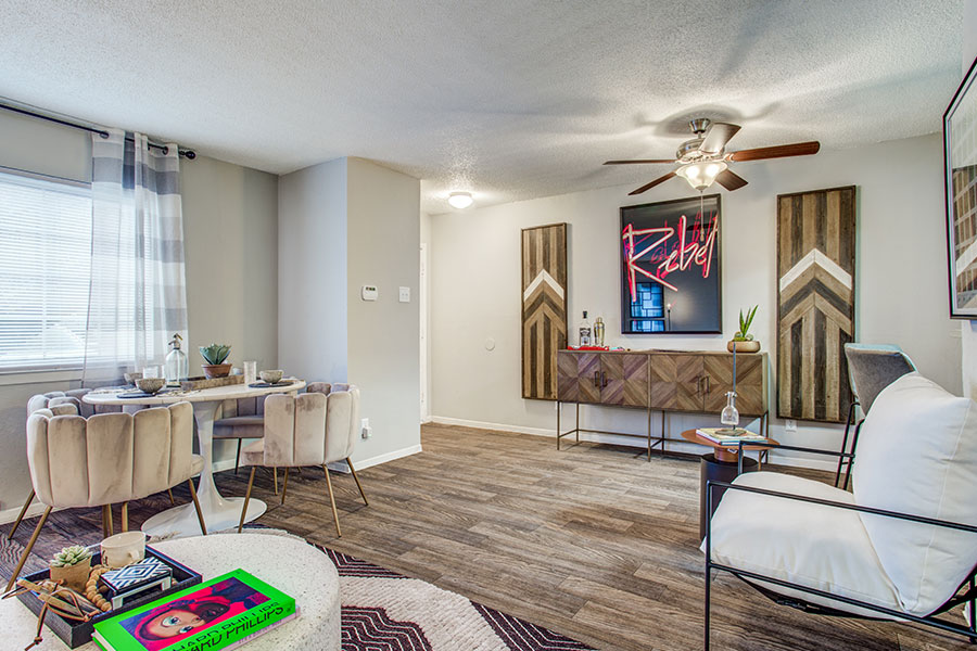 Upgraded 1, 2 and 3 Bedroom Apartment or Townhomes Available