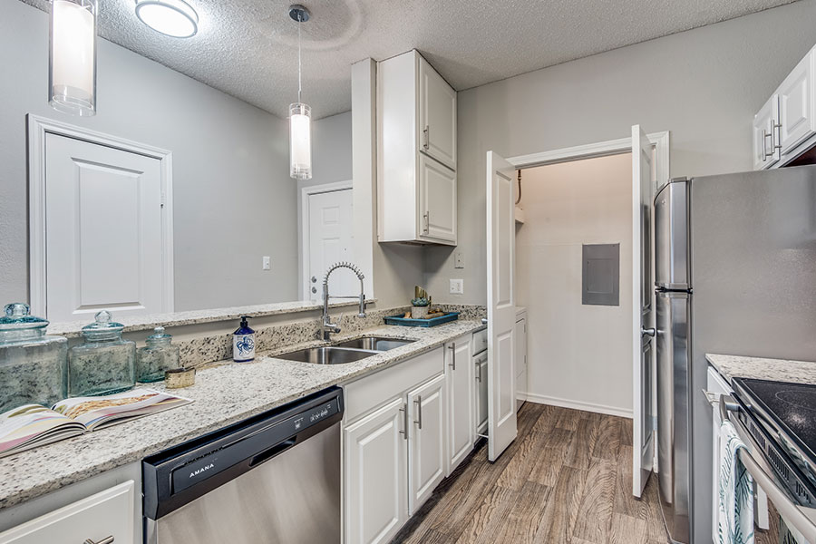 Granite Countertops, Stainless Steel Appliances, Plenty of Cabinet Space!
