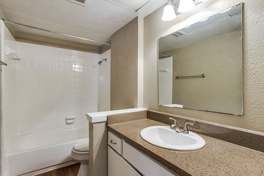 1, 1.5, and 2 bathrooms are available.
