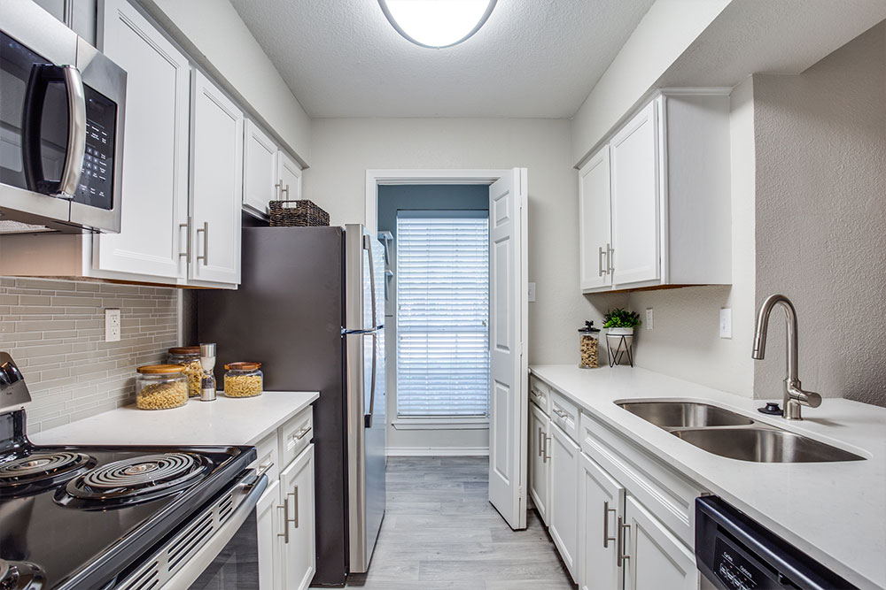 Fully-equipped kitchen with Stainless Steel or Black Appliance Package