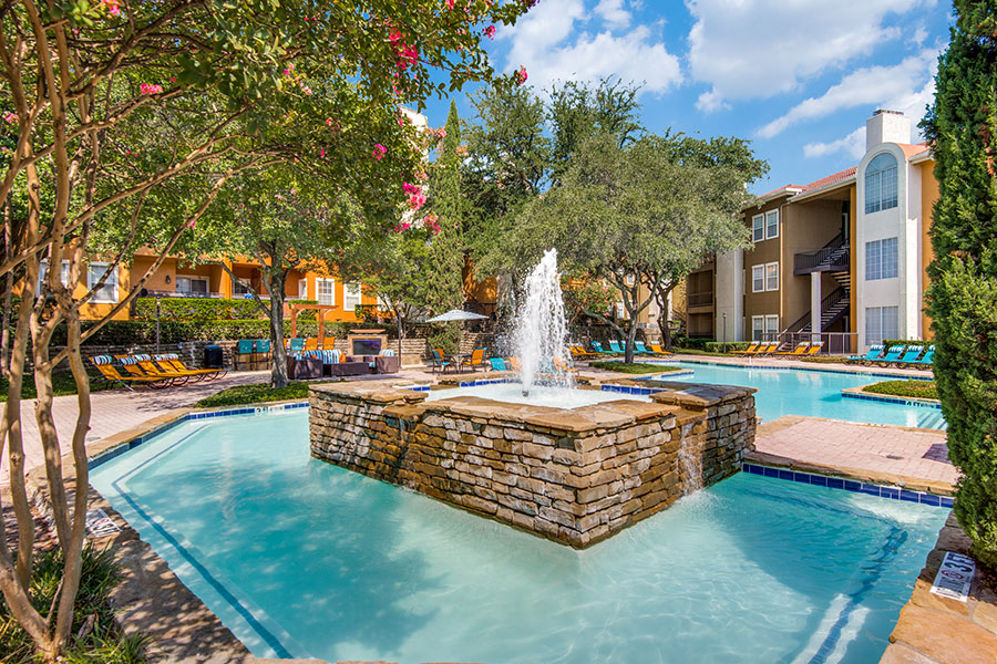 Luxurious apartments in Las Colinas