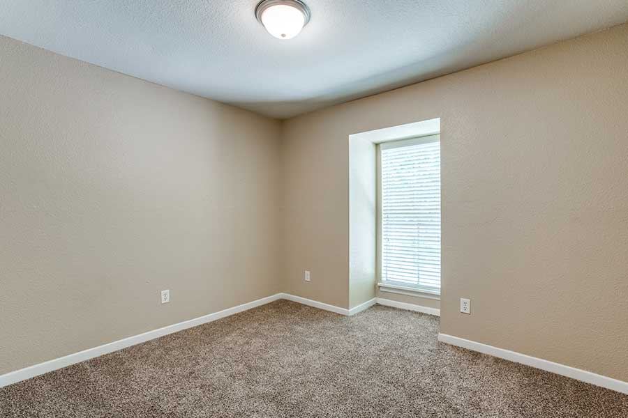 You will notice some great amenities such as plush carpeting
