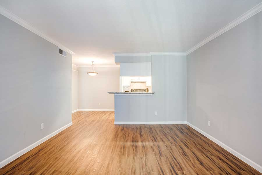 fully equipped kitchen, vertical and mini-blinds