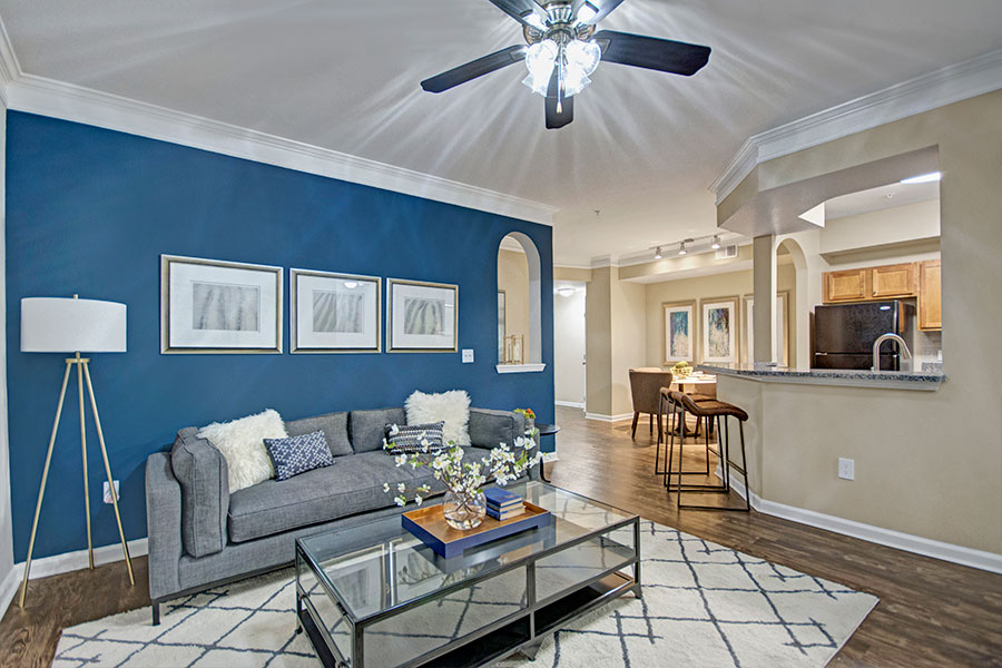 Spacious Garden Style Apartments in Lewisville