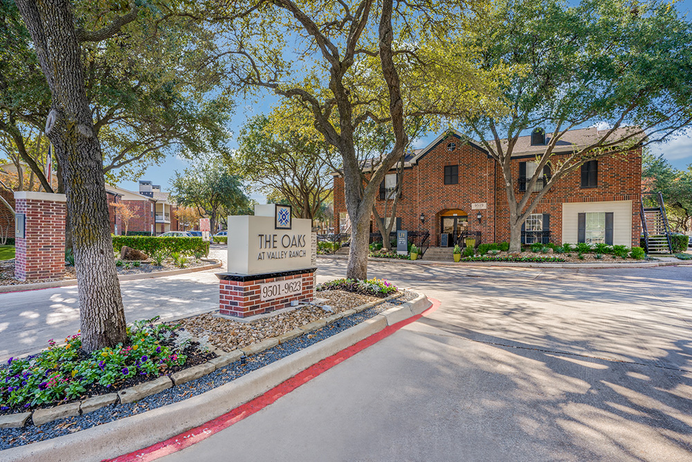 Oaks at Valley Ranch |  9519 Valley Ranch Pkwy E Irving, TX 75063