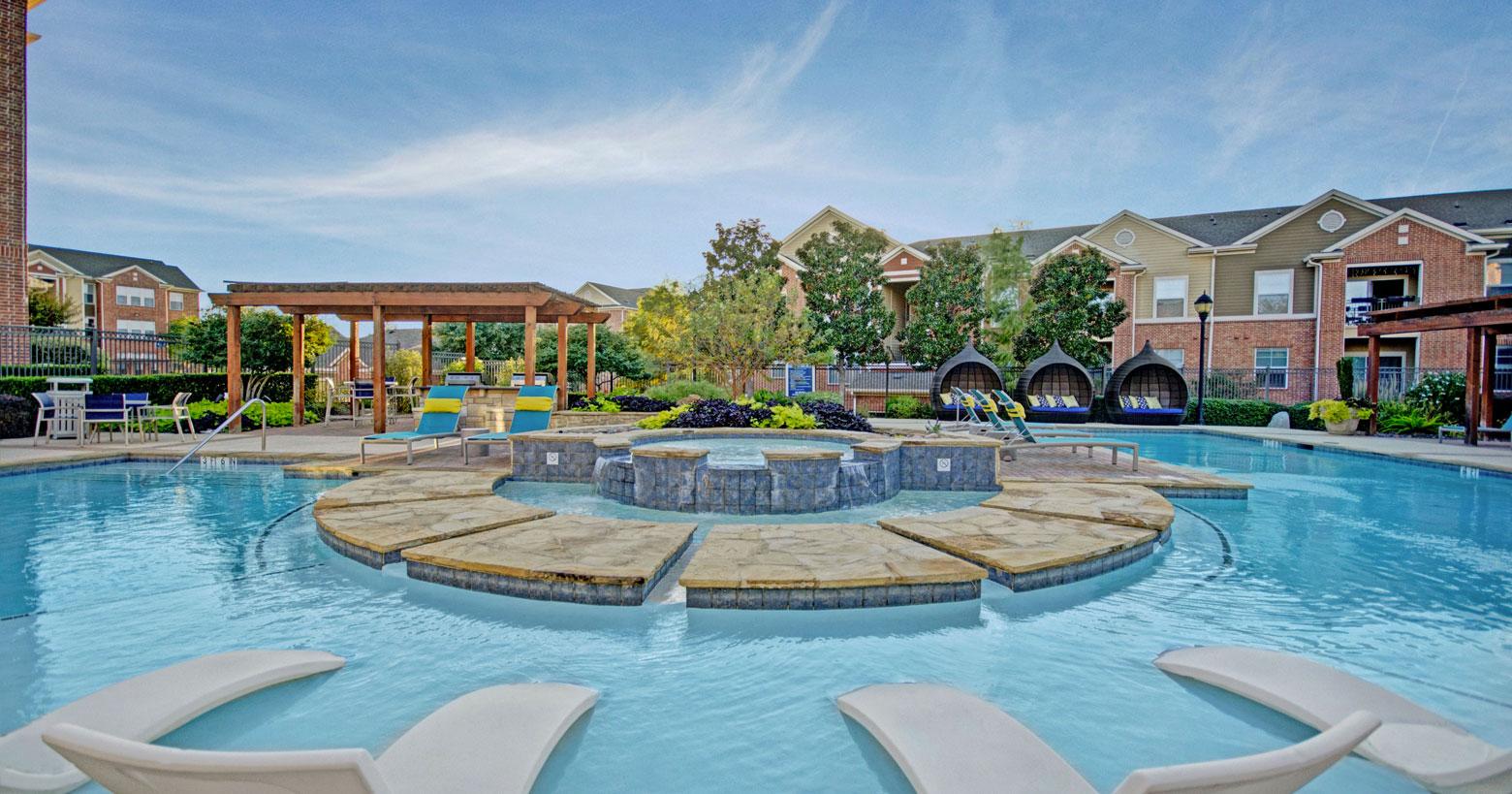 Vista 121 Apartments in Lewisville TX