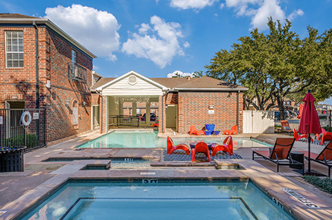 One and Two bedroom apartments in Irving, TX | Oaks at Valley Ranch